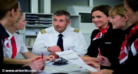 Вторая по величине авиакомпания Германии Air Berlin вынашивает планы по сокращению персонала