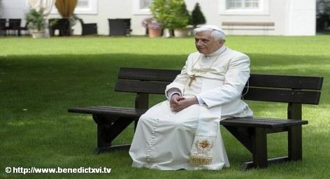 Папа Римский Бенедикт XVI в следующем году посетит с официальным визитом Германию, сообщает в пятницу агентство РИА Новости со ссылкой на газету Bild, которая, в свою очередь ссылается на официальные источники в Ватикане. Таким образом, Папа Римский принял приглашение президента Германии Кристиана Вульфа.