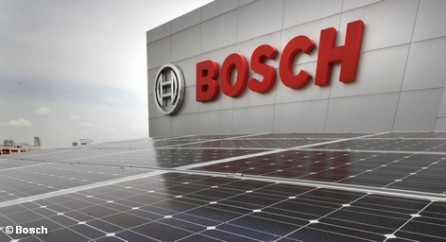 В среду немецкий производитель модулей солнечных батарей и сопутствующего оборудования Solar Millennium объявил в городе Эрланген о банкротстве. Это второе за неделю банкротство в этой отрасли Германии. На этом фоне фирма Bosch активно расширяет свой «солнечный» бизнес, собираясь приобрести Voltwerk, компанию которая производит преобразователи постоянного тока в переменный и является дочкой Conergy.