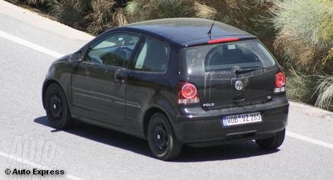 Самый мощный Mercedes-Benz C-класса называется C63 AMG Coupe Black Series, а его цена будет начинаться от € 113 тыс. Тем временем, Volkswagen готовит самый дешевый в мире электрокар, цена которого будет составлять от € 15 тысяч. Премьера серийной версии бюджетного электромобиля от Volkswagen намечена на 2013 год, а C63 AMG появится в продаже весной 2012 года.