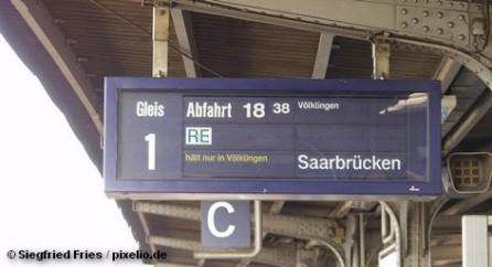 Скоростной поезд ICE сегодня столкнулся с мусоровозом неподалеку от городка Ламбрехт, в федеральной земле Рейнланд-Пфальц […]
