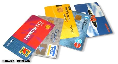 Дайте нам только полдня, и мы взломает код безопасности любой кредитной карты, - утверждают в одной из немецких компьютерных компаний. Речь идет о трехзначных номерах безопасности, которые размещены на обороте любой кредитки. С другой стороны международная платежная система Visa немедленно объявила о том, что разрабатывает новую систему паролей.