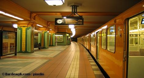 Наблюдательный совет транспортного объединения Берлина и Бранденбург (VBB) намерен со следующего года повысить стоимость проезда. […]