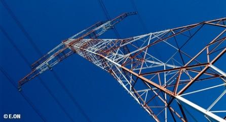 Крупнейшие энергетические концерны Германии Eon и RWE экономят расходы, а альтернативная энергетика на ветре и водороде.