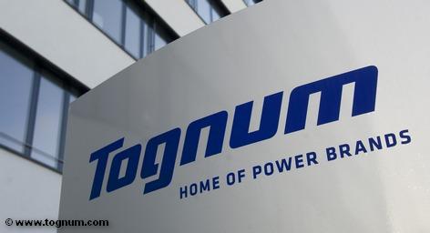 Автоконцерны Daimler AG и Rolls-Royce Group Plc подняли предложение по покупке немецкого производителя двигателей Tognum AG на 8,3%, оценив компанию в €3,4 млрд. Предыдущее предложение размером €3,12 млрд. не удовлетворило совет директоров Tognum. Компания Tognum - один из ведущих в мире поставщиков двигателей, двигательных установок и распределенных энергетических систем.