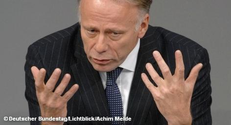 Председатель фракции Зеленых в Бундестаге Юрген Триттин в контексте ядерной катастрофы в Японии и практически наступившей годовщины трагедии в Чернобыле вновь призвал сегодня на заседании парламента сделать выводы в отношении политики ядерной безопасности и энергетики, от которой, по его мнению, Германия должна полностью отказаться.