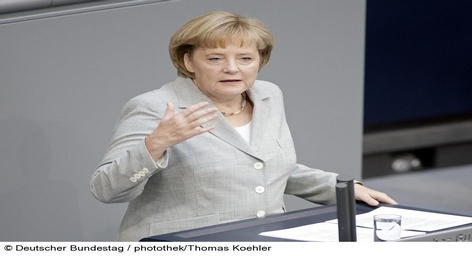 Германия и Франция намерены совместно интенсивно работать над созданием механизма эффективного противодействия финансовым кризисам в еврозоне. Об этом сообщили министр иностранных дел ФРГ Гидо Вестервелле и глава французской дипломатии Мишель Альо-Мари после состоявшейся сегодня в Берлине встречи.