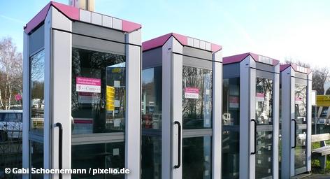 Deutsche Telekom и энергетический концерн E. ON начали совместный проект, который пока представлен только в Нижней Саксонии и Баварии. В пунктах по обслуживанию клиентов с сегодняшнего дня можно приобрести пакет экологически чистой электроэнергии и интернет-счетчик для ее учета.