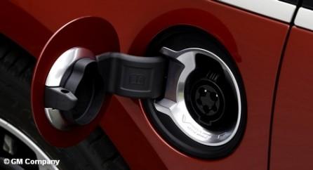 В Берлине проходит Конференция по электромобильности. Все важные лица прибыли на автомобилях с двигателями внутреннего сгорания.