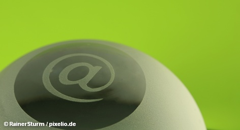 Британский оператор мобильной телефонии Vodafone будет использовать для переписки с клиентами сервис электронной почты концерна Deutsche Post. В принципе эта услуга аналогична привычному электронному письму, но предлагает более высокую степень зашиты и напоминает электронную открытку. Для концерна Deutsche Telekom новый альянс весьма нежелателен.