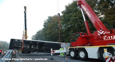Растет число жертв крупной аварии, произошедшей на шоссе в федеральной земле Бранденбург в Германии, недалеко […]
