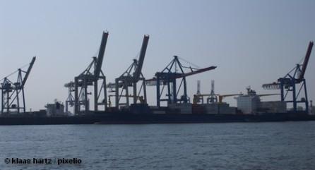 Два самых больших немецких торговых пароходства Hapag-Lloyd и Hamburg-Süd обдумывают объединение.