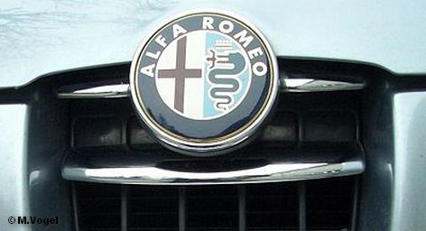 Крупнейший автопроизводитель Европы концерн Volkswagen неожиданно стал вторым по величине акционером в группе SGL, производящей карбоновый сплавы. Фольксваген купил 8,18 процента акций SGL. Заметим, что SGL работает в тесном контакте с основным конкурентом VW в Германии, концерном BMW, который является крупнейшим акционером группы SGL, обладая 22,5 процентов акций.