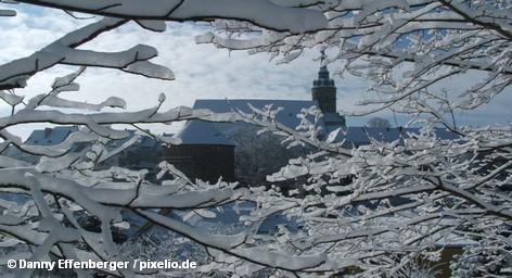«Одевайтесь тепло!», — призывают немецкие СМИ. Начиная с четверга, Германию практически повсеместно ожидают снег, гололедица, […]