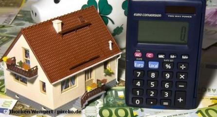 Бундесбанк ФРГ полагает, что квартиры в городских агломератах переоценены примерно на 20 процентов.