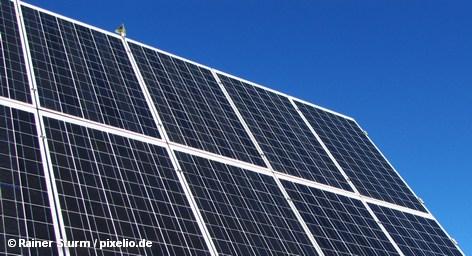 Тем не менее, разработчики электроэнергии будущего остаются уверены в себе: солнечные и ветровые электростанции должны принести не только желаемый экономический прогресс. Немецкий энергетический проект Desertec, предусматривающий к 2050 году создание в Северной Африке парков солнечной и ветровой энергии, которые, как ожидается, будут обеспечивать поставки экологически чистой электроэнергии не только в страны Северной Африки, а также и 15 процентов европейской потребности в электричестве.