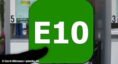 Вслед за немецкими автолюбителями представители нефтяной промышленности Германии призывают к пониженному налогообложению нового спорного вида бензина с повышенным содержанием этанола E10. Так они надеются убедить скептически настроенных автомобилистов. Однако в отличие от последних Ассоциация предлагает понизить налоги не на 10 процентов, а на два цента за литр.