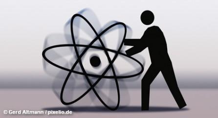 Представители немецкой промышленности предостерегают от быстрого отказа от ядерной энергетики, без которой японская промышленность уже неделю не может продолжить производство. Последствия этого идут весьма далеко: в Германию и США. С другой стороны, ситуация на этих выходных в Японии будет развиваться по одному из трех сценариев. Два из них весьма мрачные.