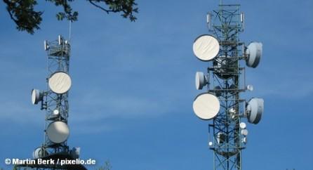 Nokia Siemens Networks (NSN), один из крупнейших производителей и поставщиков телекоммуникационного оборудования для операторов фиксированной и мобильной связи в мире, инвестирует в производство один миллиард евро и проведет массовые увольнения сотрудников по всему миру, сосредоточившись на рынках Дальнего Востока и США.