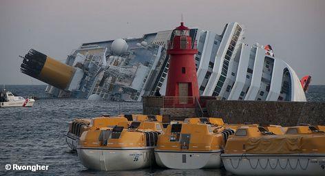 Еще продолжаются спасательные работы на борту злополучного круизного лайнера Costa Concordia, затонувшего у берегов Италии в ночь на минувшую субботу, а заинтересованные лица уже начали подсчитывать убытки. Акции судоходной компании Costa Cruises, которой принадлежит Costa Concordia, упали почти на треть. Страховщики в шоке. Туристы, забронировавшие следующие круизы на Costa Concordia, забирают свои деньги.
