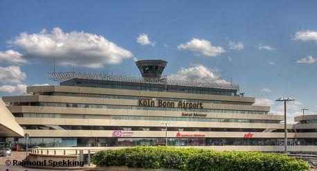 Терминал аэропорта Кёльн / Бонн