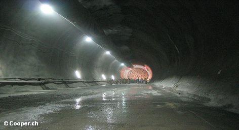В Швейцарии до исхода пятницы завершится прокладка самого длинного тоннеля в мире. Он пройдет через […]