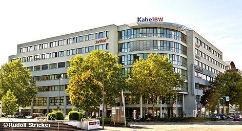 Третий по величине оператор кабельного телевидения Германии Kabel BW сообщил в пятницу о своем намерении выйти на биржу еще в первом полугодии. По информации агентства Reuters, владелец этого телекоммуникационного предприятия, шведская фирма EQT параллельно ведет переговоры с тремя заинтересованными сторонами о продажи кабельных сетей Баден-Вюртемберга.