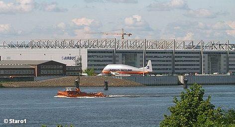 Airbus планирует построить первый завод в США. Однако, как ни странно, эту зарубежную экспансию Airbus могут подпортить французские власти.