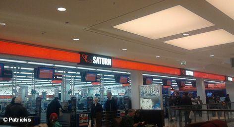 """После долгих колебаний крупнейшей в Европе розничный продавец электроники Media-Saturn начинает массовый интернет-бизнес. """"Не позднее 2014 года мы намерены более десяти процентов наших продаж осуществлять через интернет"""". - Сообщил сегодня шеф группы Media-Saturn Хорст Норберг. - """"Это более двух миллиардов евро"""", - добавил он."""