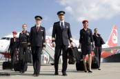 Менеджмент авиакомпании Air Berlin согласился поднять им зарплату ее пилотам.