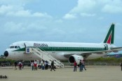 Авиакомпания Alitalia перенимает обязательства обанкротившегося бюджетного итальянского  авиаперевозчика Windjet по спецтарифу: 500 евро.