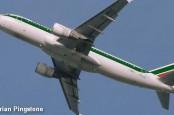 Авиакомпании Alitalia с помощью итальянской почты удалось улететь от банкротства. Однако еврокомиссия может подрезать Alitalia крылья.