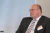 Петер Альтмайер рекомендует не подавать заявок на разработку месторождений сланцевого газа в Германии.