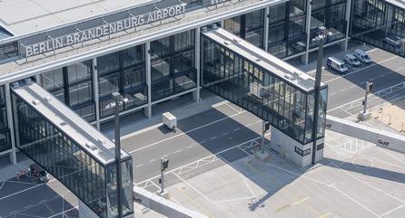Терминал аэропорта Берлина и Бранденбурга