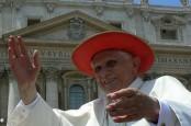 Папа Римский Бенедикт XVI решил в последний раз приложить руку к святым финансам, подготовив кадровые перестановки в Банке Ватикана.