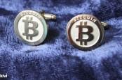 Центробанки опасаются виртуальной валюты Bitcoin, а мультимиллионер Роджер Вер уверен, что она поможет миру стать лучше.