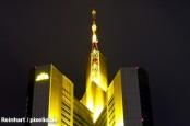 Commerzbank намерен увеличить уставной капитал за счет акционеров.