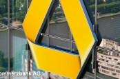 По мнению экспертов S&P, второй по величине кредитный институт Германии Commerzbank слишком долго перестраивает его деловую модель.