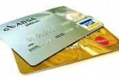 Еврокомиссия рассматривает возможность ограничить пошлины, которые платят владельцы кредитных карт.