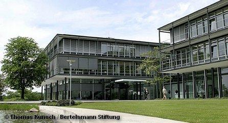 Главное здание штаб-квартиры Фонда Бертельсмана в городе Гютерсло