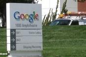 Поисковый гигант Google начал диалог с Еврокомиссией по поводу ее подозрений в манипуляциях на рынке поисковых услуг Старого Света.