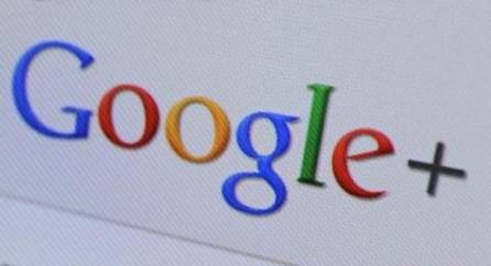 Тот, кто уверяет, что Google это просто лучшая поисковая машина, как раз и развивает принцип естественной монополии.