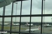 Лондону жизненно необходимо расширять пропускную способность аэропортов, однако эксперты спорят о том, как это следует делать.
