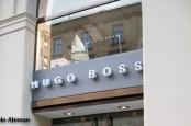 Хотя торговля в интернете находится на подъеме, в Hugo Boss не собираются закрывать магазины. Правда, дилерам придется больше инвестировать.