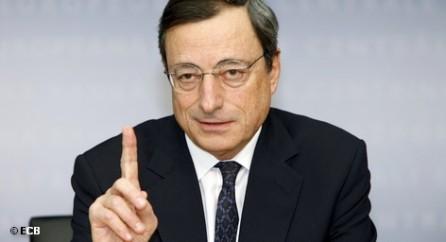 Пока канцлер ФРГ Ангела Меркель настаивает на практически железобетонных мерах жесткой экономии в Евросоюзе, которые должны быть направлены на преодоление долгового кризиса Старого Света, президент Европейского центрального банка (ЕЦБ) Марио Драги видит именно в этом одну из европейских проблем: «Бюджетная консолидация приведет к рецессии», - заявил он в пятницу, выступая на Всемирном экономическом форуме в Давосе.