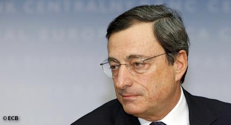 В четверг прошло первое заседание совета управляющих Европейского центрального банка (ЕЦБ). Как и ожидали аналитики, учетная ставка осталась без изменений - на уровне 1,0%. Однако само заседание представляло необычную картину. Подчиненные президента ЕЦБ Марио Драги, с которыми он проводит кредитно- денежную политику Евросоюза, настолько молоды, что могли бы быть его сыновьями. Это, пожалуй, крупнейшее изменение в ЕЦБ.