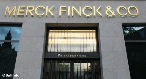 Ведомство по надзору за финансовым рынком Люксембурга не утвердило предполагаемую и согласованную сделку по продаже частного банка из Мюнхена Merck Finck. «Мы разочарованы развитием событий», - сказал президент компании-владельца банка, KBL European Private Bankers Ян Ванхевель. Не исключено, что KBL продолжит попытки продать банк по более низкой цене.