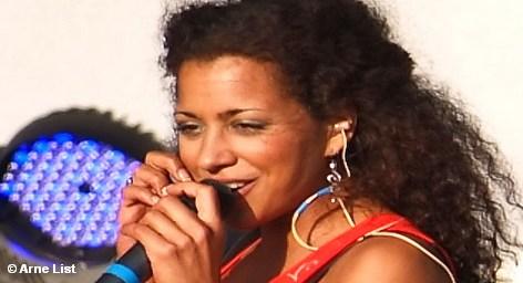 Суд приговорил солистку немецкой женской поп-группы No Angels 28-летнюю Надю Бенаиссу к двум годам тюрьмы […]
