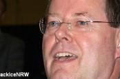 Кандидат на пост канцлера ФРГ от СДПГ Пеер Штайнбрюк грозится приостановить переговоры с США о создании зоны свободной торговли.