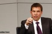 Уходящий в отставку генеральный директор Deutsche Telekom Рене Оберманн выступает унифицированные европейские законов об охране данных.
